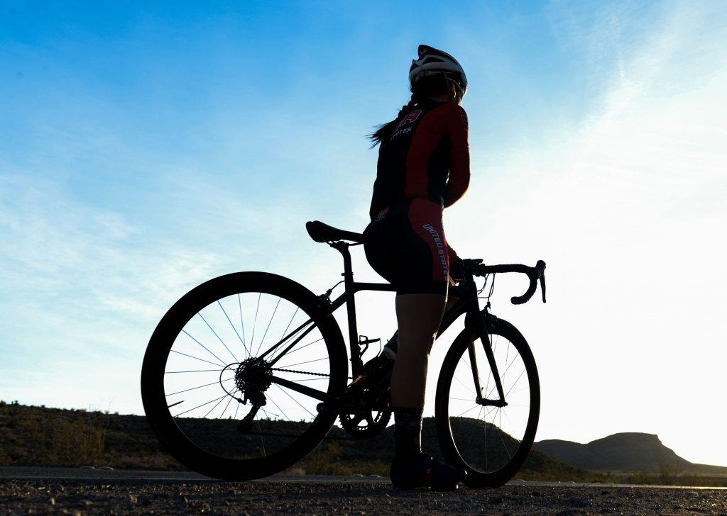 vrouwen fietsen