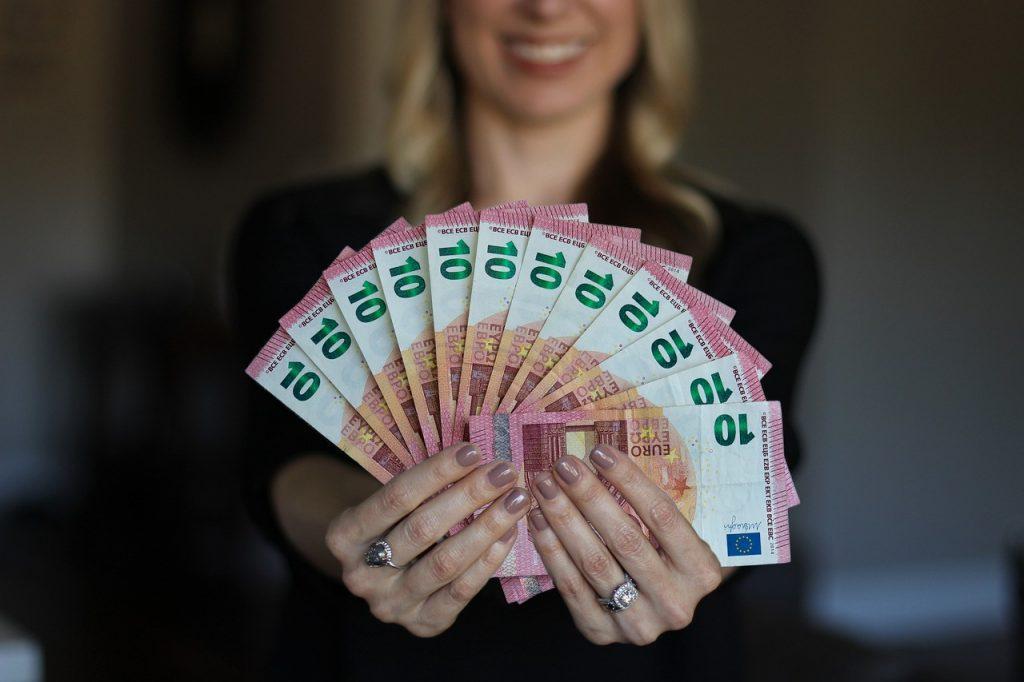 Geld verdienen buiten je werk om